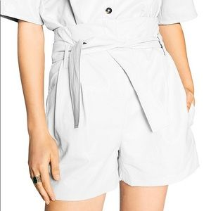 BA&SH Sol Belted Faux Leather Shorts In Blanc